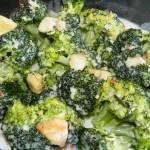 Brokuły pod beszamelem