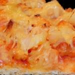 Pizza z Kurczakiem i Ananasem (1)
