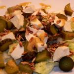 Sałatka z mozzarellą, kurczakiem i ogórkiem kiszonym (5)