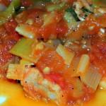 Schab z porami i pomidorami 1