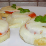 Pizzerki z pomidorem i mozzarellą (2)