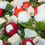 Sałatka z mozzarellą i truskawkami (7)