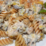Makaron w kremowym sosie z pieczarkami (4)