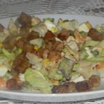 Sałatka warzywna z mozzarellą (3)