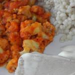 Kalafior z curry, kaszą i gotowanym kurczakiem
