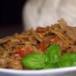 Makaron z sosem pomidorowym i tuńczykiem (3)