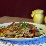 Stir-fry z makaronem ryżowym i kurczakiem (1)