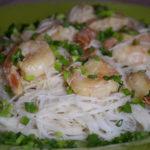 Makaron ryżowy z krewetkami 1